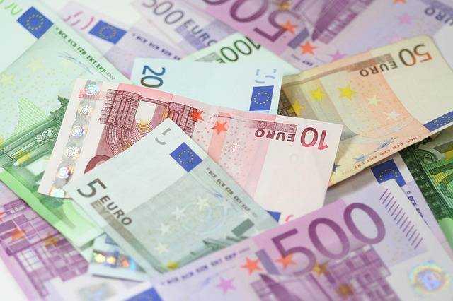 Amount of cash loans